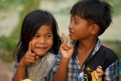 Playing children in Chong Knies - Esmeralda Groen