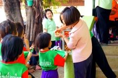 Friday afternoon snack at the orphanage in Innburi - Esmeralda Groen