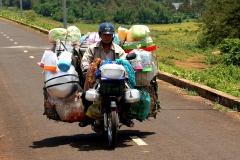 On the way in Vietnam - Esmeralda Groen